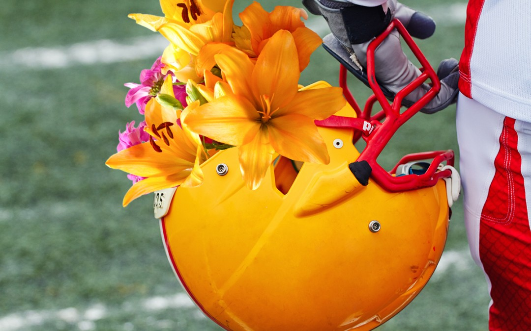 3 Ways Flowers Show school Pride at Football Games