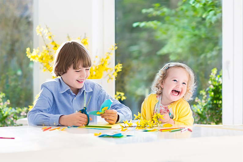 Fun with flowers: 4 easy summer crafts for your kids & you