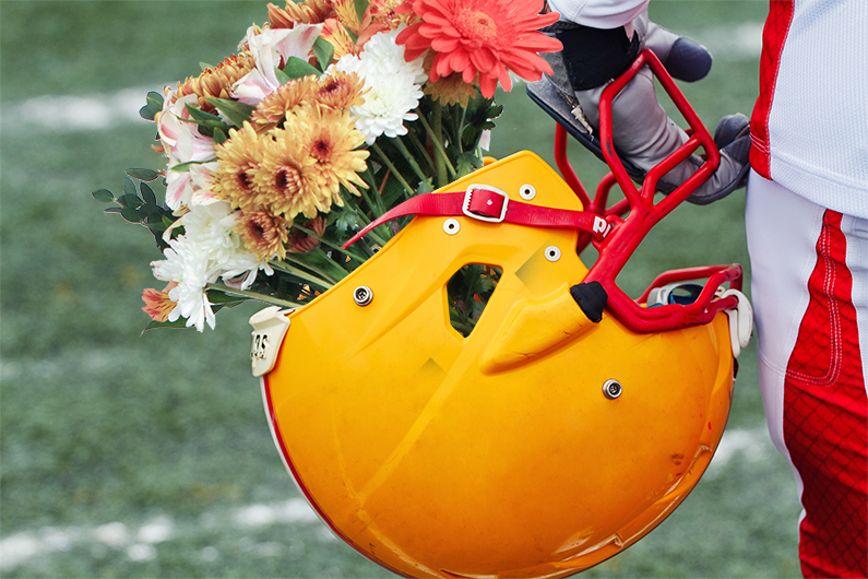 4 fun ways to use flowers to show your School Spirit