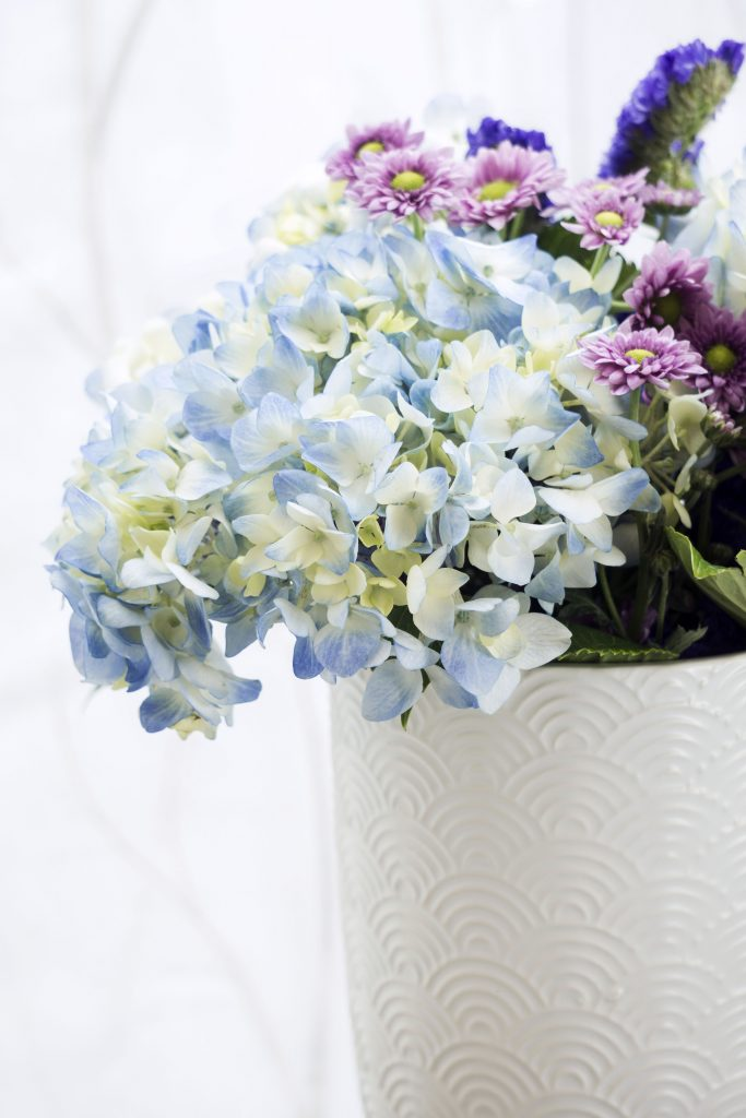 LONE STAR LIVING APRIL HYDRANGEA BOUQUET